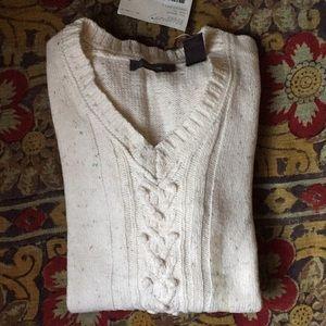 NWT Liz Claiborne cable knit v-neck sweater